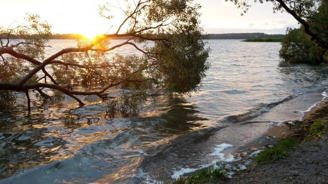 Schweriner See - Sonnenuntergang am Strand von Flessenow